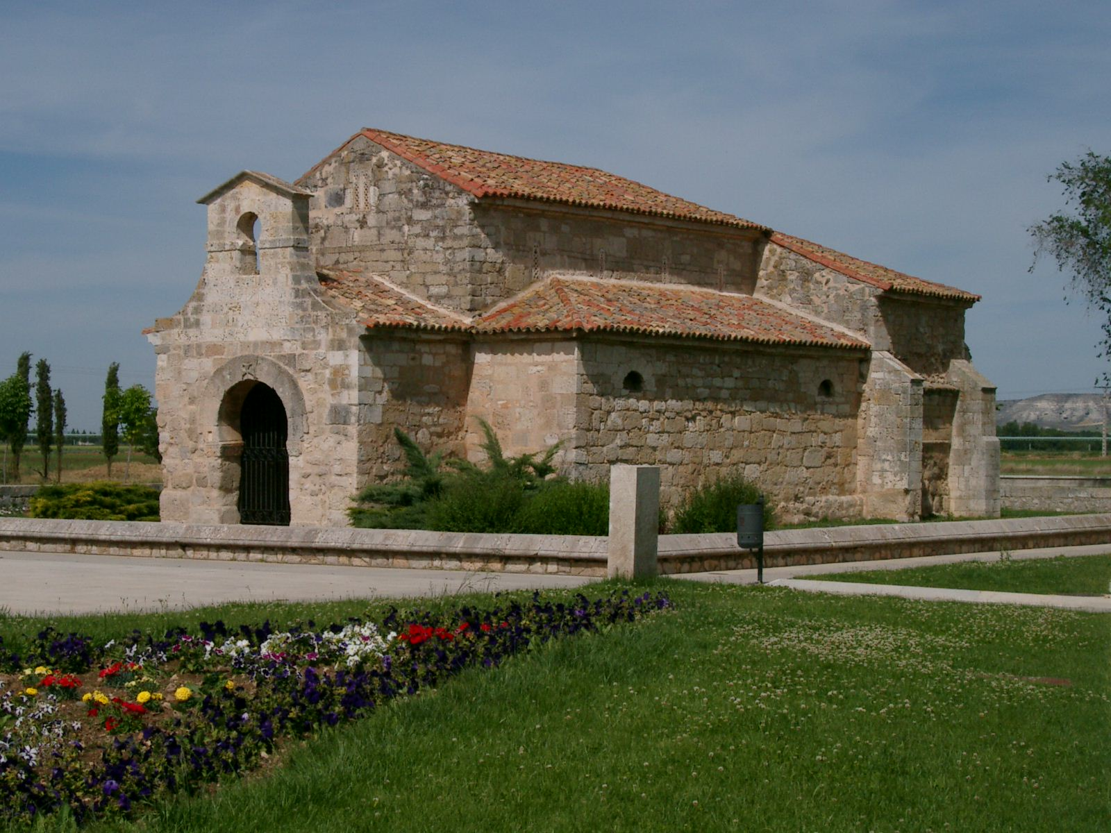 Basílica de San Juan de Baños, visgótica, siglo VII